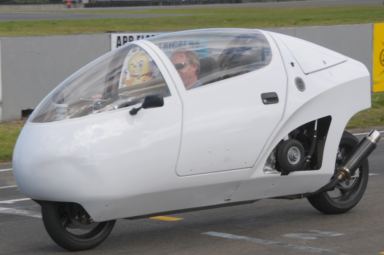 enclosed motorcycle images  AeroBike Enclosed Motorcycle | FF Web