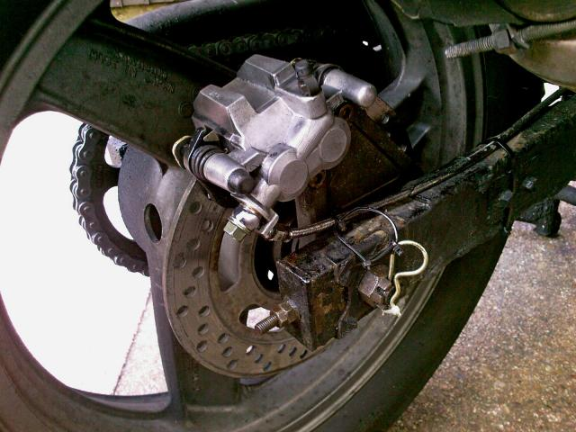 Twin piston 1991 Kawasaki Zephyr 550 rear brake caliper replaces standard single pot...but does not stop the bike any better!