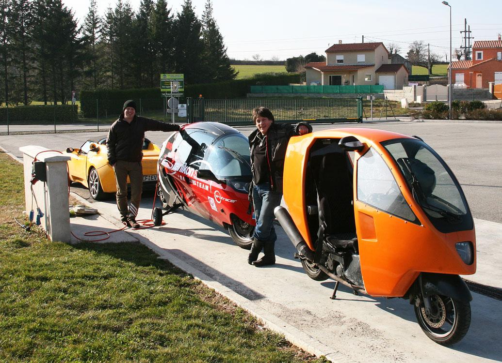 Genesis Meets ZeroTracer in Valence