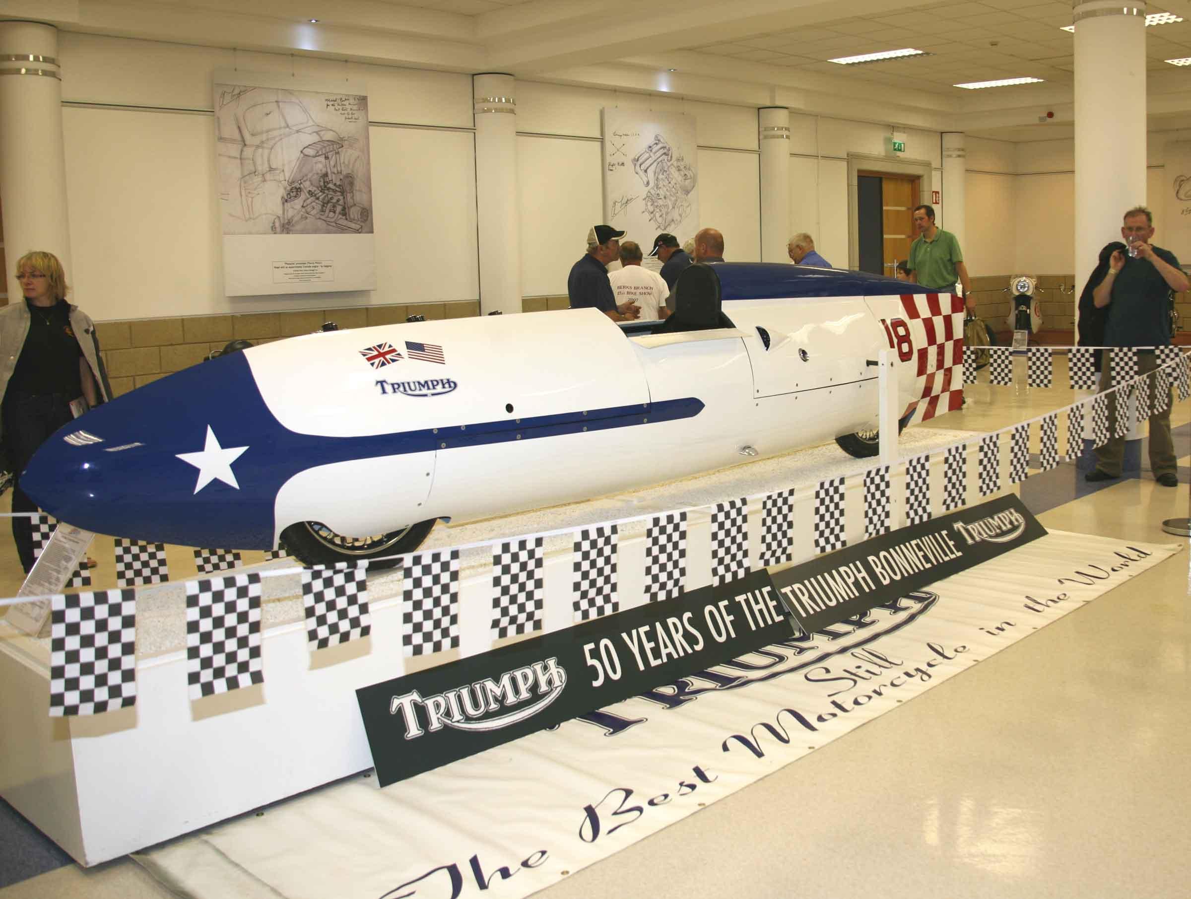 1956 214mph Triumph Bonneville Streamliner