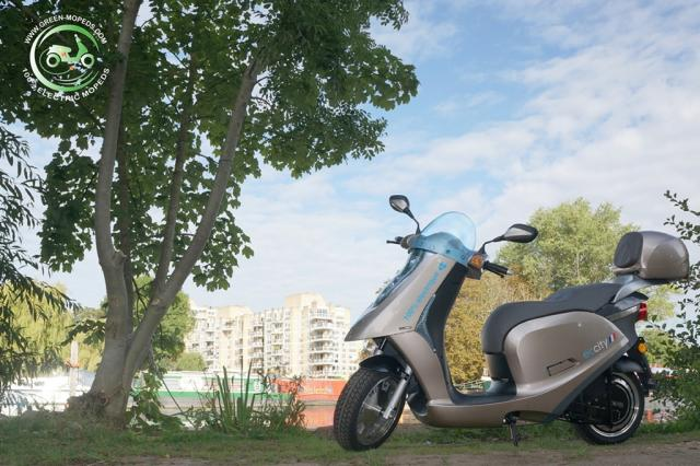 ECCity 50 - 4KW, L1e (Moped) category bike. ~60 mile range