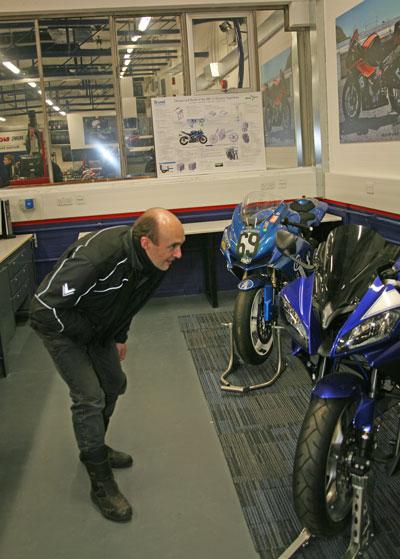 JB inspects an R6