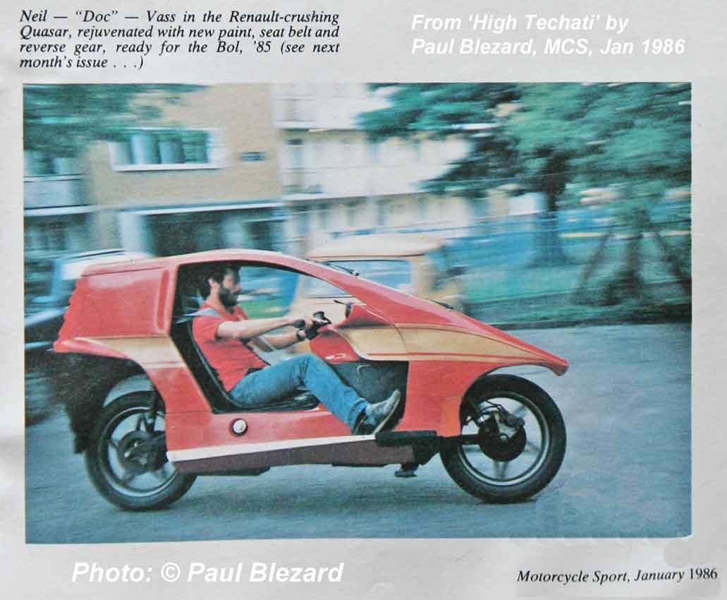 Neil Vass riding the rebuilt FHR 942W in 1985