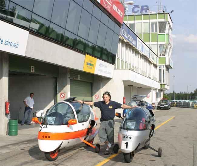 Blez with Standard and Turbo Mono Ecomobiles at Brno 2005