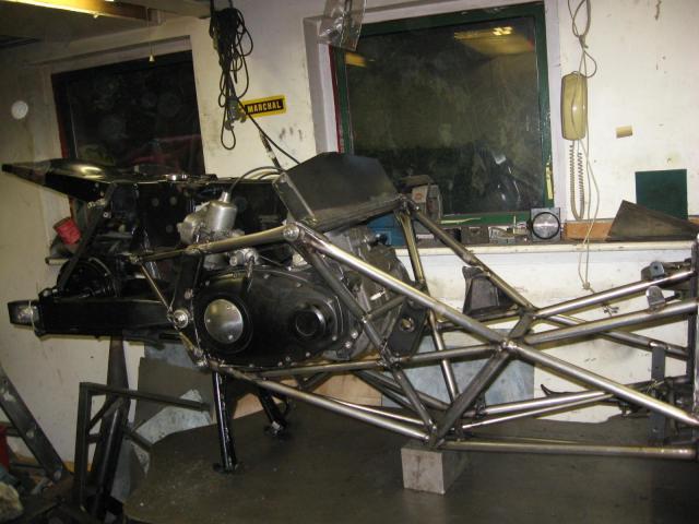 Motor in frame
