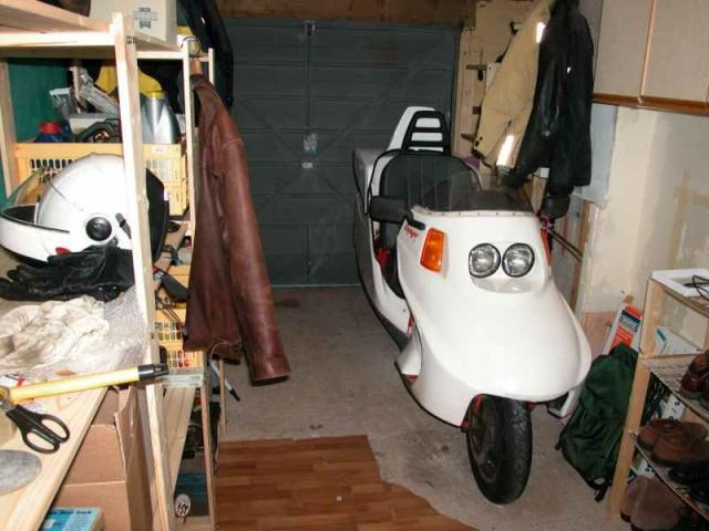 Voyager 03 in the garage