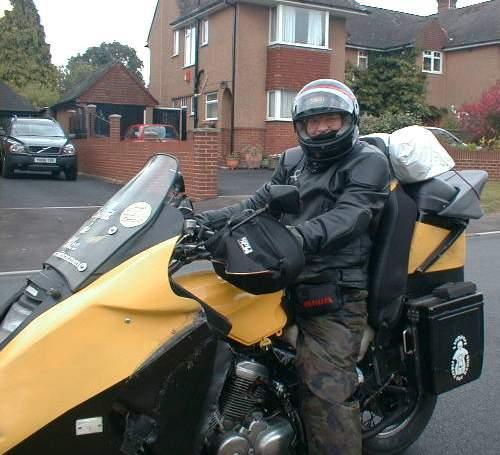 Bananaskin and pilot set off for Beaulieu 2006