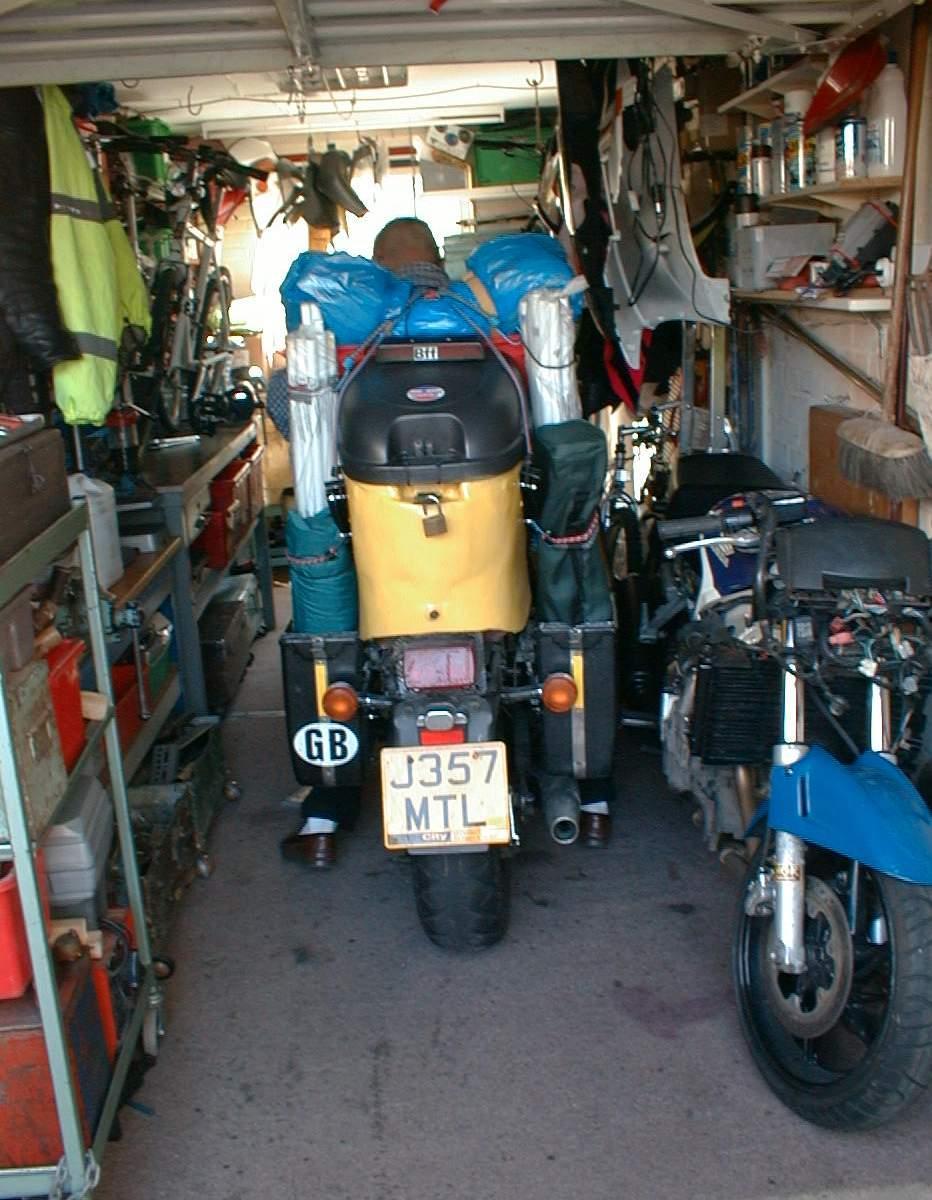 Bobbe's Garage in Summer 2005