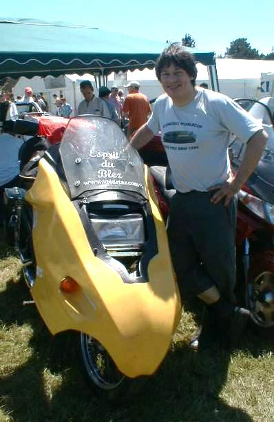 Paul Blezard is reunited with the Banana fairing which refuses to die!